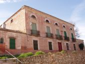 Casa del Rey. Obra atribuida a Juan de Villanueva, de estilo neoclásico (XVIII). Es uno de los edificios emblemáticos de Ruidera